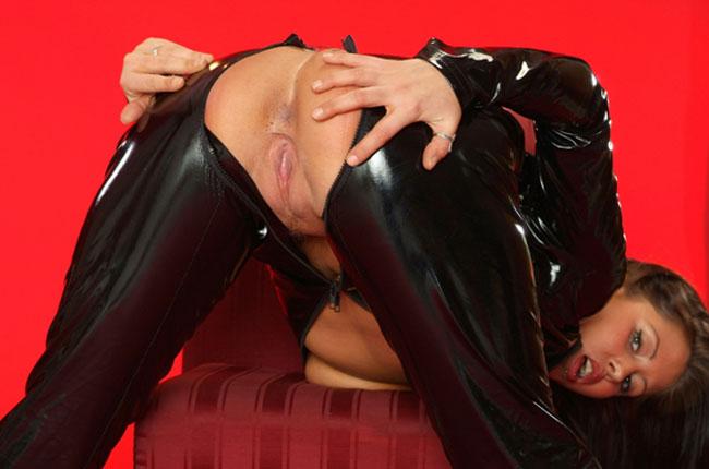 latexluder sucht erotische kontakte zum ausleben ihrer lust